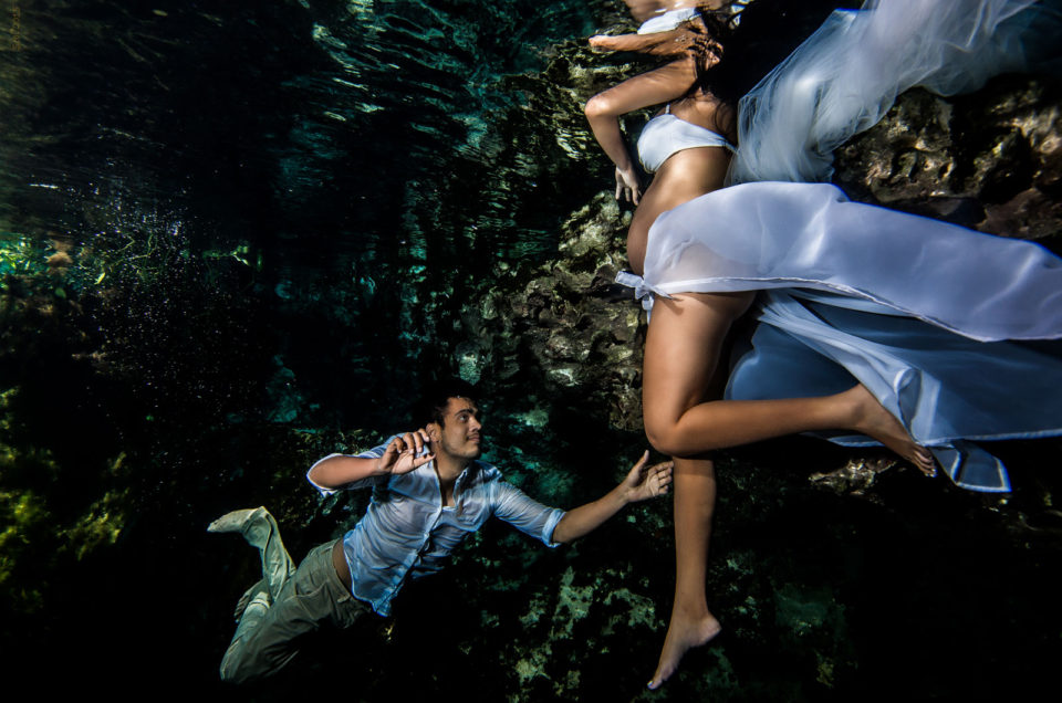 Maternity Underwater Photography - Lizeth - Cenote