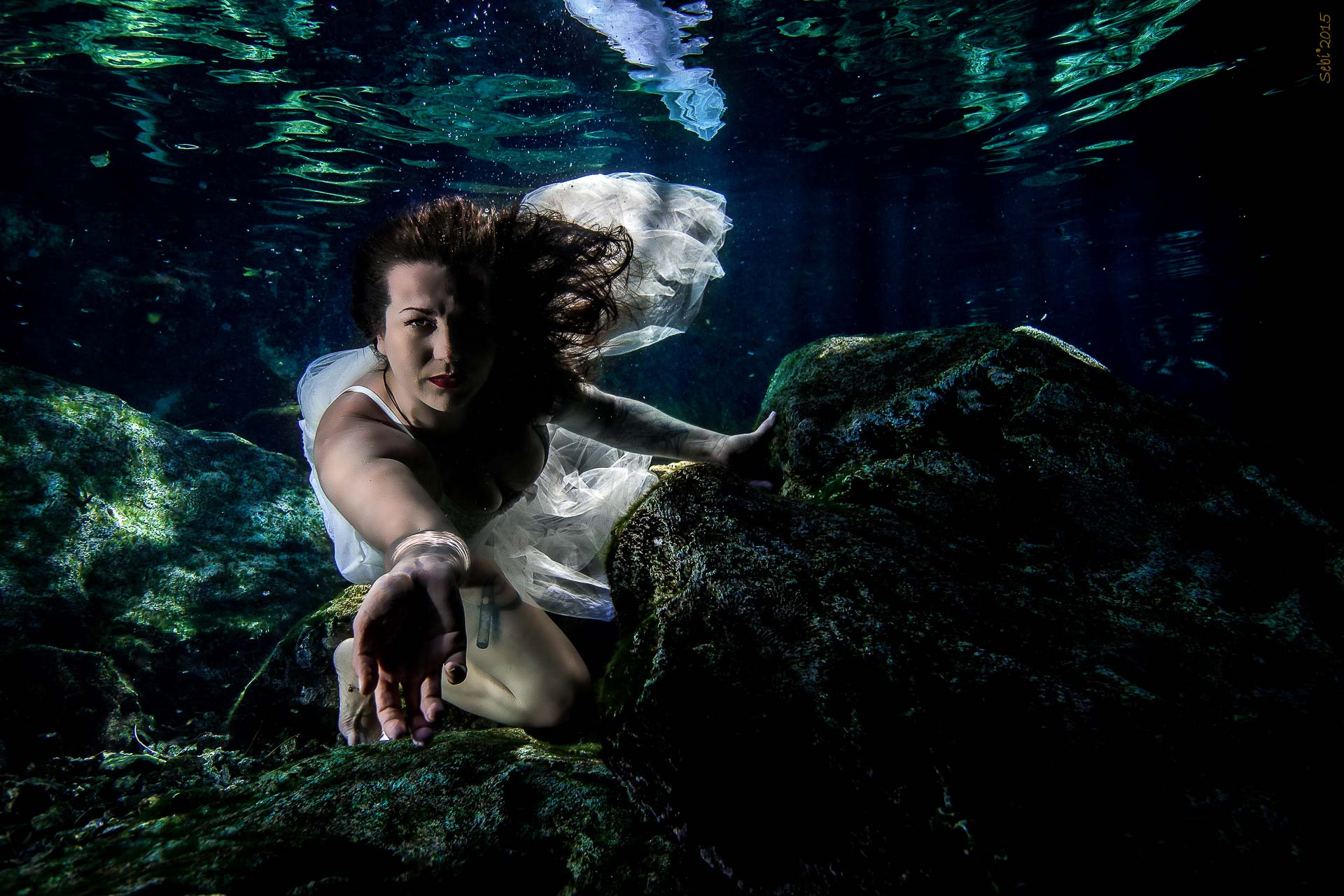 Underwater modelling photography - Cenote session