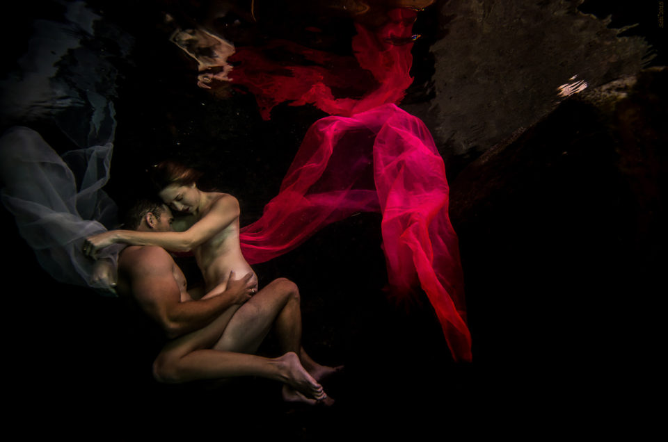 Fine Art Underwater Images – Kristin and Jake