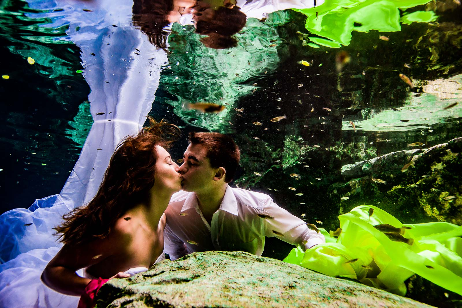 Trash The Dress Underwater Photography Mexico
