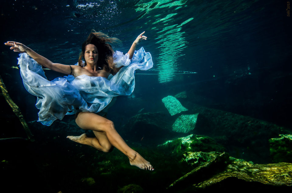 Underwater Rock the Frock – Daniela and Salvatore