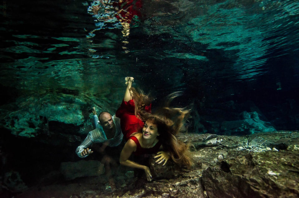 Wedding anniversary images underwater – Teo and Angela