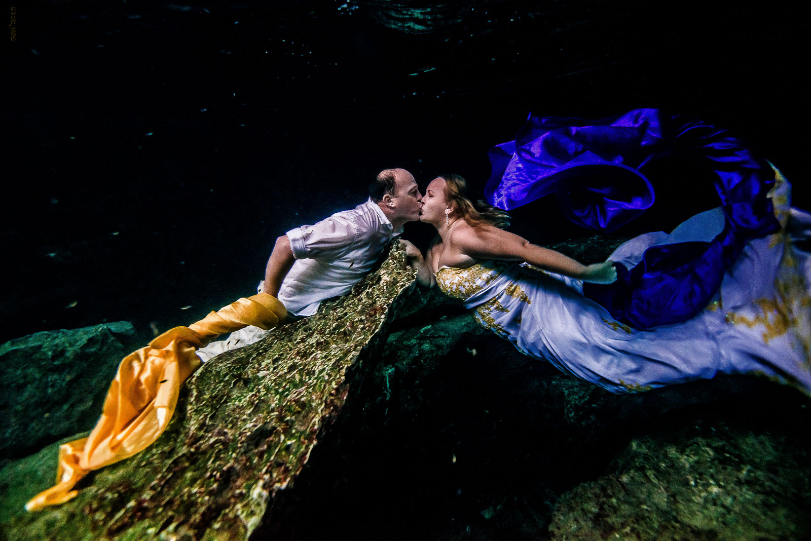 After Wedding Underwater Photo Shoot in Mexico