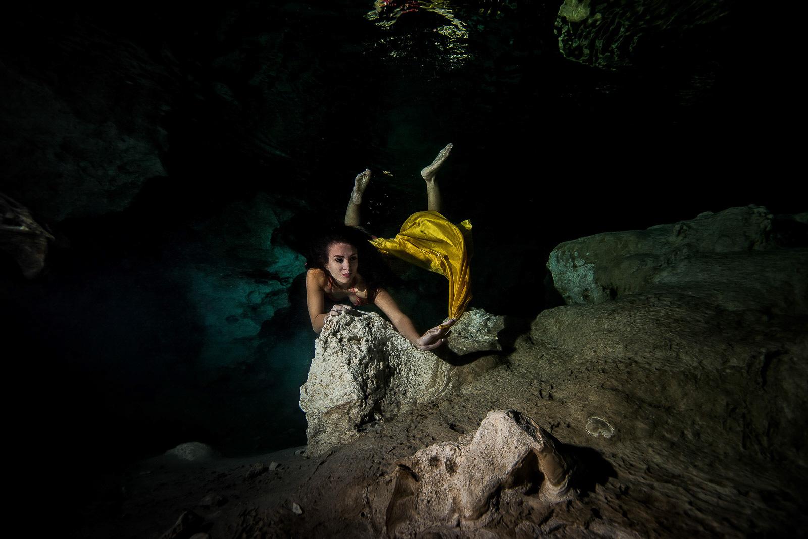Underwater model mexico
