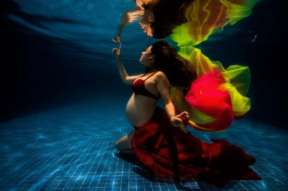 Underwater maternity Photography – Angie