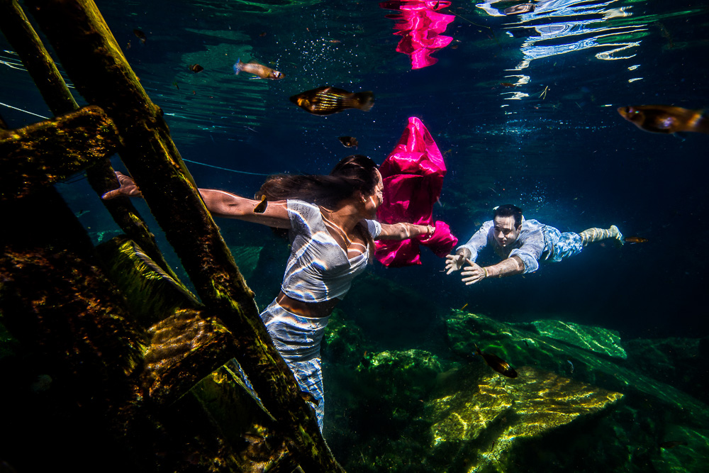 Underwater Wedding Photos – Jaqueline and André - Sebi Messina Photography