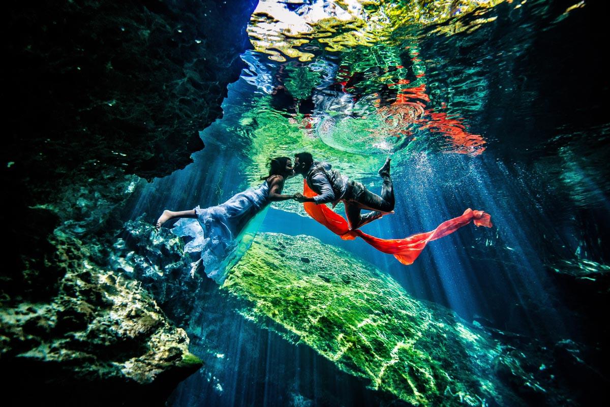 Underwater wedding pictures - Sebi Messina Photography