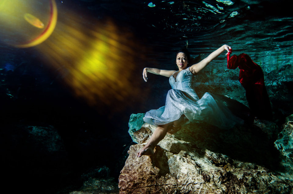 Trash The Dress Photos Underwater - Adriana and José
