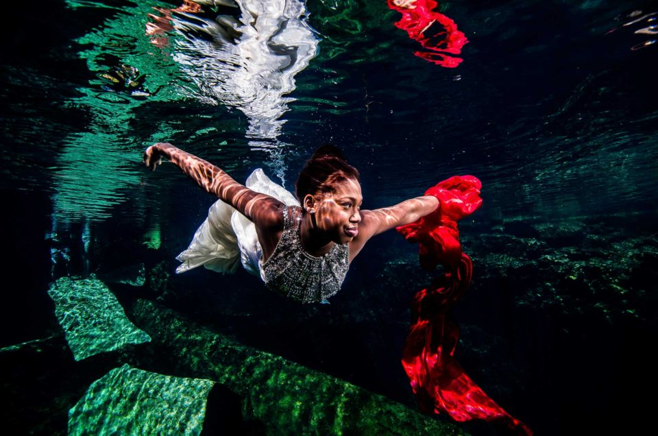 Mexico Underwater Trash The Dress – Carla and Mirsad